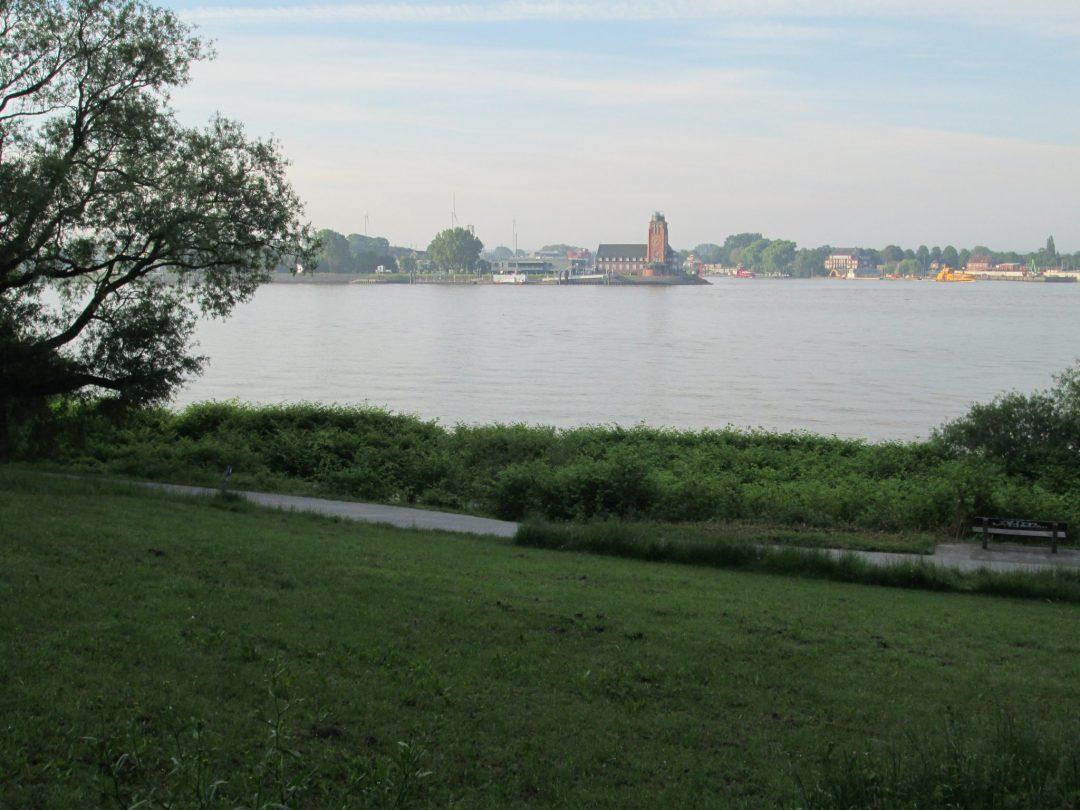 "Impressions From The ""Elbewanderweg"" Public Pathway In Hamburg, Germany"